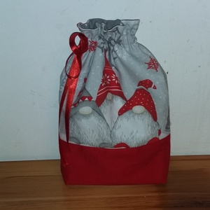 Mikulás zsák, Karácsony & Mikulás, Varrás, Bélelt, manó mintás pamutvászonból készült mikulás zsák. A bélése hópihe mintás pamutvászon.\nSzéless..., Meska