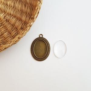 Medál alap + üveglencse - Ovális - Bronz színű - 1 db, Gyöngy, ékszerkellék, Üveglencse, Medál alap + üveglencse - ovális - bronz színű - 1 db  Mérete: 39x27 mm, a beleillő üveg lencse mére..., Meska
