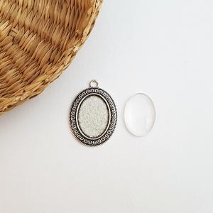 Medál alap + üveglencse - Ovális - Ezüst színű - 1 db, Gyöngy, ékszerkellék, Üveglencse, Medál alap + üveglencse - ovális - ezüst színű - 1 db  Mérete: 39x27 mm, a beleillő üveg lencse mére..., Meska
