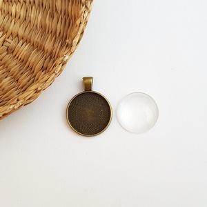 Medál alap + üveglencse - Kerek - Bronz színű - 1 db, Gyöngy, ékszerkellék, Üveglencse, Ékszerkészítés, Medál alap + üveglencse - kerek - bronz színű - 1 db\n\nMérete: 35x27 mm, a beleillő üveg lencse átmér..., Meska