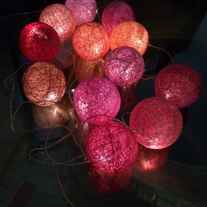 """Fényfüzér \""""Bazsarózsa\"""", Lakberendezés, Otthon & lakás, Dekoráció, Lámpa, Ünnepi dekoráció, Mindenmás, Egyedi, kézzel készített gömb fényfüzér!\n\n12 egyedi gömb szűri meg sejtelmesen a fényt és nyújt utol..., Meska"""