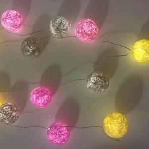 """Fényfüzér \""""cukorka\"""", Lakberendezés, Otthon & lakás, Lámpa, Gyerek & játék, Gyerekszoba, Mindenmás, Vigyünk egy kis színt a hétköznapokba! :)\n\nEgyedi, kézzel készített gömb fényfüzér!\n12 egyedi gömb s..., Meska"""