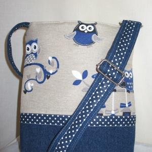 Kék baglyos kicsibe táska, Táska, Táska, Divat & Szépség, Válltáska, oldaltáska, Varrás, Kék baglyos bútorvászon és nyers színű farmer pöttyös vászon anyaggal elválasztva.Húzózárral,belső z..., Meska