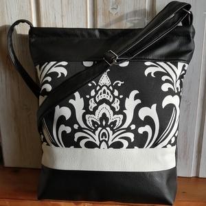 Fekete virágos táska, Táska & Tok, Kézitáska & válltáska, Vállon átvethető táska, Varrás, Bútorvászonból és műbőrből készült válltáska. Pántja állítható. Húzózáras. Bélése pamutvászon. 2 bel..., Meska