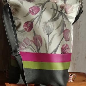 Tulipános hátizsák , Táska & Tok, Variálható táska, Varrás, Műbőrből és bútorvászonból készült hátizsák és válltáska egyben. Húzózáras. Pántja állítható. Bélése..., Meska