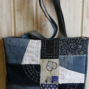M újrahasznosított táska, Táska & Tok, Kézitáska & válltáska, Válltáska, Varrás, Többféle farmer felhasználásával készült táska. Húzózáras. Bélése pamutvászon. 2 belső zsebe van. Pá..., Meska