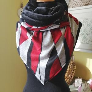 Piros-fekete háromszög sál - Meska.hu