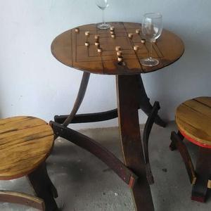 Malom játék – asztal, 2 db székkel  Hordóbútor, Férfiaknak, Hagyományőrző ajándékok, Sör, bor, pálinka, Egyedi tervezésű és készítésű. Régi hordóból készített 3 lábú asztal. Az asztallap átmérője 59 cm te..., Meska