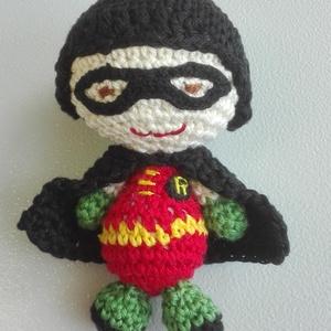 Robin, Ember, Plüssállat & Játékfigura, Játék & Gyerek, Horgolás, 100 % pamut fonalból horgolt Robin figura. Kabalának, vicces ajándéknak is tökéletes.  \n\nMérete: mag..., Meska
