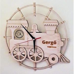 Óra - mozdonyos, Otthon & Lakás, Dekoráció, Falióra & óra, 3 mm rétegelt nyír lemezből készült mozdonyos óra, tökéletes kiegészítője egy járműveket kedvelő kis..., Meska