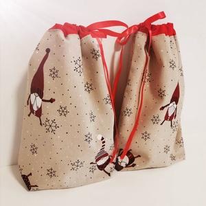 Mikulás zsák, Karácsony & Mikulás, Mikulás, Varrás, Erős vászonból készült Mikulás zsák. Selyem szalaggal lehet összekötni. Méretei:30x22. Kettő darab v..., Meska