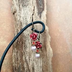Rózsás fülbevaló, Ékszer, Fülbevaló, Lógós fülbevaló, Ékszerkészítés, Bronz fülbevaló rózsa dísszel, Meska