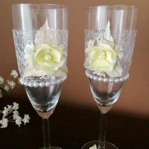 Egyedi esküvői pezsgőspoharak...  agyagvirágokkal díszítve !, Esküvő, Tálalás, Dekoráció, Mindenmás, Gyurma, Meska