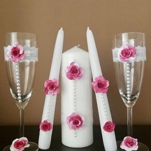Egyedi esküvői szett ...  agyagvirágokkal díszítve !, Esküvői szett, Esküvő, Mindenmás, Gyurma, Ezt a   különleges  szettet olyan fiatal pároknak ajánlom,akik szeretik a romantikus  stílust !\nÚgy ..., Meska