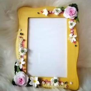 Sárga képkeret, rózsa- agyagvirágokkal díszítve !, Otthon & Lakás, Képkeret, Dekoráció, Gyurma, Mindenmás, Meska