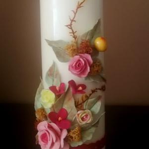 Vajszínű dekor - gyertya ,piros,sárga agyagvirágokkal díszítve - otthon & lakás - dekoráció - gyertya & gyertyatartó - Meska.hu