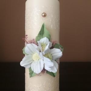 Krém színű kézműves dekor- gyertya , esküvői Ceremóniához !, Gyertya & Gyertyatartó, Dekoráció, Esküvő, Mindenmás, Gyurma, Tedd különlegessé esküvőd Gyertya-ceremóniáját ezzel az elegáns gyertyával. Amennyiben más színű vir..., Meska