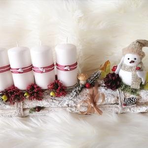 Különleges kedves kis adventi asztaldísz ! , Otthon & lakás, Dekoráció, Ünnepi dekoráció, Karácsony, Karácsonyi dekoráció, Mindenmás, Virágkötés, A fehérre festett farönköt gyertyákkal, cuki kiegészítőkkel dekoráltam, Ezektől vált  egyedivé az ad..., Meska