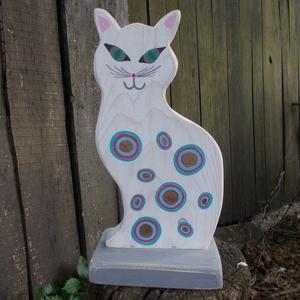 Talpas macska cica, Könyvtámasz, Dekoráció, Otthon & Lakás, Festett tárgyak, Famegmunkálás, Talpas álló macska. Tömör fából vágott termék. A cica kézzel festett, polírozott, lakkozott darab. M..., Meska