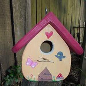 Madárodú akasztható madáretető madárház, Madáretető & Itató, Ház & Kert, Otthon & Lakás, Festett tárgyak, Famegmunkálás, Madárodú\nA szép és ízléses környezet minden kulturált ember természetes igénye. A madárházak egész é..., Meska