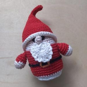 Télapó, Karácsony & Mikulás, Karácsonyi dekoráció, Horgolás, Aprólékos munkával, horgolással készült télapó.\n\nFehér 100%-os pamut fonal és vatelin felhasználásáv..., Meska