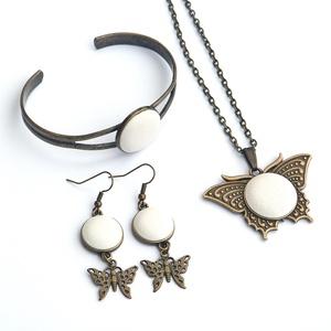 Fehér pillangó - bőr  ékszerszett (Gubancbolt) - Meska.hu