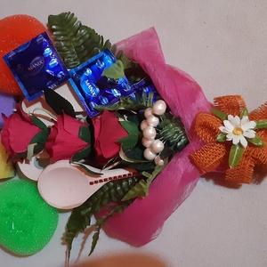 Lánybúcsúra csokor, Esküvő, Nászajándék, Mindenmás, Eladó egy kis külenleges lánybúcsúra alkotott csokor :) \nSzemélyesen Maglód vonzáskörzetében vehető ..., Meska