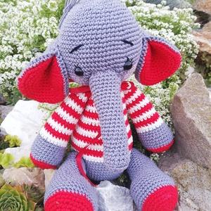 Elefanni, Elefánt, Plüssállat & Játékfigura, Játék & Gyerek, Horgolás, Baba-és bábkészítés, Egy kedves kis elefánt akivel bármelyik gyerek szívesen indulna aludni. Magassága 30cm. Bababarát pa..., Meska