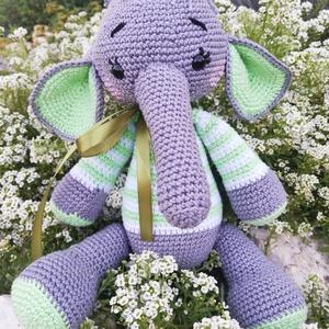 Dumbo1, Elefánt, Plüssállat & Játékfigura, Játék & Gyerek, Baba-és bábkészítés, Horgolás, Dumbo egy nagyon aranyos kis elefánt. 30cm magas, ölelhető kis szeretetgombóc. Ajánlom ajándékba bab..., Meska