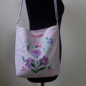 Hímzett rózsaszín táska, Táska & Tok, Kézitáska & válltáska, Válltáska, Hímzés, Varrás, Meska