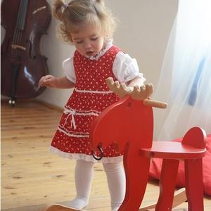 Pirosfestő 62-104-es lány ruha madeira  csipke díszítéssel, Táska, Divat & Szépség, Gyerekruha, Ruha, divat, Gyerek & játék, Baba (0-1év), Gyerek (1-10 év), Varrás, A pirosfestő mintájú lány ruha anyaga 100 % pamut. A hátán cipzárral záródik, és a bősége két oldalt..., Meska