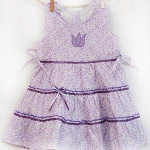 Lila-vajszínű 62-104 apró virágos nyári ruha  , Táska, Divat & Szépség, Gyerekruha, Ruha, divat, Gyerek & játék, Baba (0-1év), Gyerek (1-10 év), Varrás, Hímzés, A lila-vaj színű apróvirágos nyári pamut ruhánk romantikus stílusa magával ragadó.\nA szaténszalaggal..., Meska