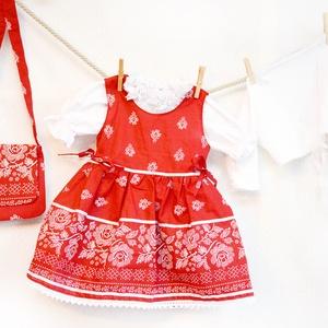Pirosfestő 62-104-es lány bordűrös ruha madeira  csipke díszítéssel (gyetomi) - Meska.hu