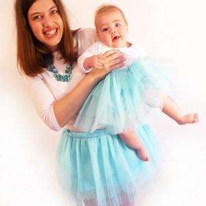 Tütü 20-50 cm-es hosszal választható, állítható derékkal (világos türkizkék), Táska, Divat & Szépség, Gyerekruha, Ruha, divat, Gyerek & játék, Gyerek (1-10 év), Kamasz (10-14 év), Varrás, A hercegnős tütü szoknyánk több rétegű tüll anyagból áll, az alsó rétege pedig batiszt. A kényelmes ..., Meska