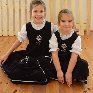 Kord ruha 110-164-es, sötét  kék, ezüst  hímzéssel, szatén szalaggal (gyetomi) - Meska.hu