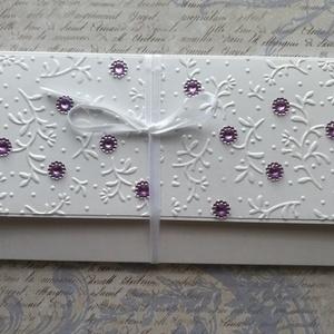 Fehér és ibolya, Otthon & lakás, Naptár, képeslap, album, Ajándékkísérő, Papírművészet, Elegáns pénzátadó borítékot készítettem gyöngyházfényű kartonból, ibolya színű gyöngyökkel, fehér sz..., Meska