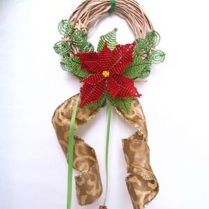 Ajtódísz gyöngyből mikulásvirággal, Karácsony & Mikulás, Karácsonyi dekoráció, 10 cm átmérőjű natúr színű vessző alapra készítettem ezt az ajtódíszt. 2 mm-es piros és zöld cseh ká..., Meska