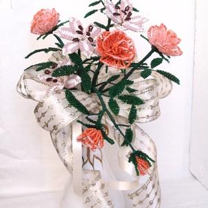 Liliom, rózsa csokor gyöngyből, asztal dísz, lakásdekoráció, Csokor & Virágdísz, Dekoráció, Otthon & Lakás, Gyöngyfűzés, gyöngyhímzés, Virágkötés, A csokrot 3 szál liliomból és 3 szál rózsából áll.  Magassága kb. 29 cm, legszélesebb része kb 21 cm..., Meska