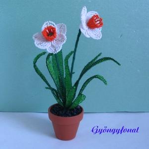 Fehér nárcisz cserepes virág gyöngyből, asztali dísz (gyongyfonat) - Meska.hu