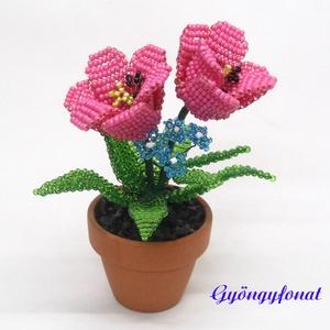 Tulipán kéknefelejccsel cserépben gyöngyből, asztaldísz, Otthon & lakás, Lakberendezés, Asztaldísz, Kaspó, virágtartó, váza, korsó, cserép, Gyöngyfűzés, gyöngyhímzés, Virágkötés, Ezt az asztali díszt 4 cm átmérőjű cserépbe készítettem A virágokat 2 mm-es kék, rózsaszín és zöld c..., Meska