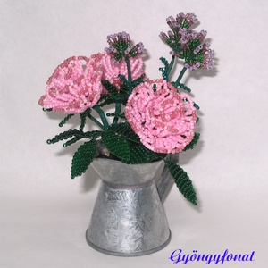 Rózsa levendulával gyöngyből cink kannában,  asztaldísz, Otthon & lakás, Dekoráció, Lakberendezés, Kaspó, virágtartó, váza, korsó, cserép, Gyöngyfűzés, gyöngyhímzés, Virágkötés, A díszt egy 6 cm magas és 4 cm átmérőjű cink kiöntőbe készítettem, teljes magassága (virág + cink ed..., Meska