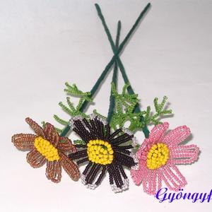 Pillangóvirág szálas, gyöngyből, Otthon & lakás, Dekoráció, Lakberendezés, Gyöngyfűzés, gyöngyhímzés, Virágkötés, A virágokat 2 mm-es kásagyöngyből fűztem a képen látható színekben, majd virágdrótra rögzítettem. A ..., Meska