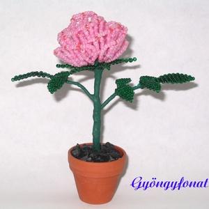 Rózsaszín rózsa gyöngyből, cserepes dísz, Otthon & lakás, Dekoráció, Dísz, Lakberendezés, Kaspó, virágtartó, váza, korsó, cserép, Gyöngyfűzés, gyöngyhímzés, Virágkötés, Egy szál virágot fűztem 2 mm-es rózsaszín cseh kásagyöngyből, amit 3,5 cm-es cserépbe rögzítettem. A..., Meska