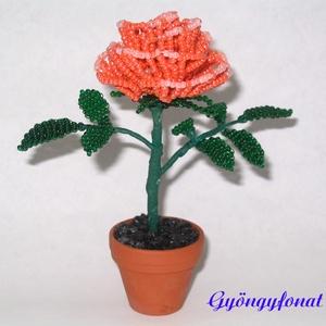 Narancssárga rózsa gyöngyből, cserepes dísz, Otthon & Lakás, Dekoráció, Csokor & Virágdísz, Gyöngyfűzés, gyöngyhímzés, Virágkötés, Egy szál virágot fűztem 2 mm-es narancssárga cseh kásagyöngyből, amit 3,5 cm-es cserépbe rögzítettem..., Meska