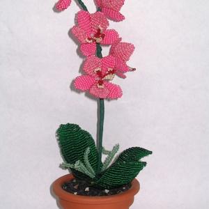Rózsaszín orchidea  cserépben, asztali dísz (gyongyfonat) - Meska.hu