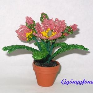 Primula gyöngyből cserepes virág , asztaldísz (gyongyfonat) - Meska.hu