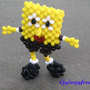 Spongebob gyöngyből, kabalafigura, Gyerek & játék, Játék, Játékfigura, Gyöngyfűzés, gyöngyhímzés, Baba-és bábkészítés, 4 mm-es sárga, barna, fekete,  piros és fehér kásagyöngyből fűztem ezt a tengeri szivacsot  ábrázoló..., Meska
