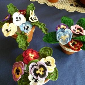 Horgolt virágok, Csokor & Virágdísz, Dekoráció, Otthon & Lakás, Horgolás, Saját készítésű horgolt árvácska,hóvirág és kaktusz.\nAjándékba vagy saját részre., Meska