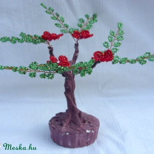 Piros virágú fácska (Gyongykertesz) - Meska.hu