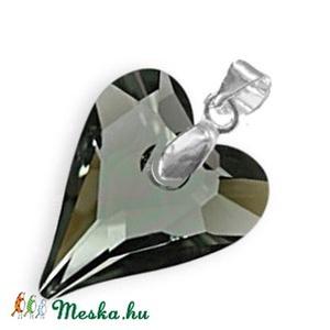 Swarovski kristály medál -17mm-es wild szív  több színben , Ékszer, Medál, Nyaklánc, Ékszerkészítés, Gyöngyfűzés, gyöngyhímzés, Meska